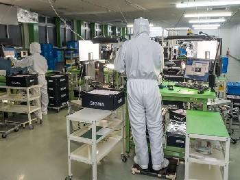 На сборке объективов SIGMA в Японии