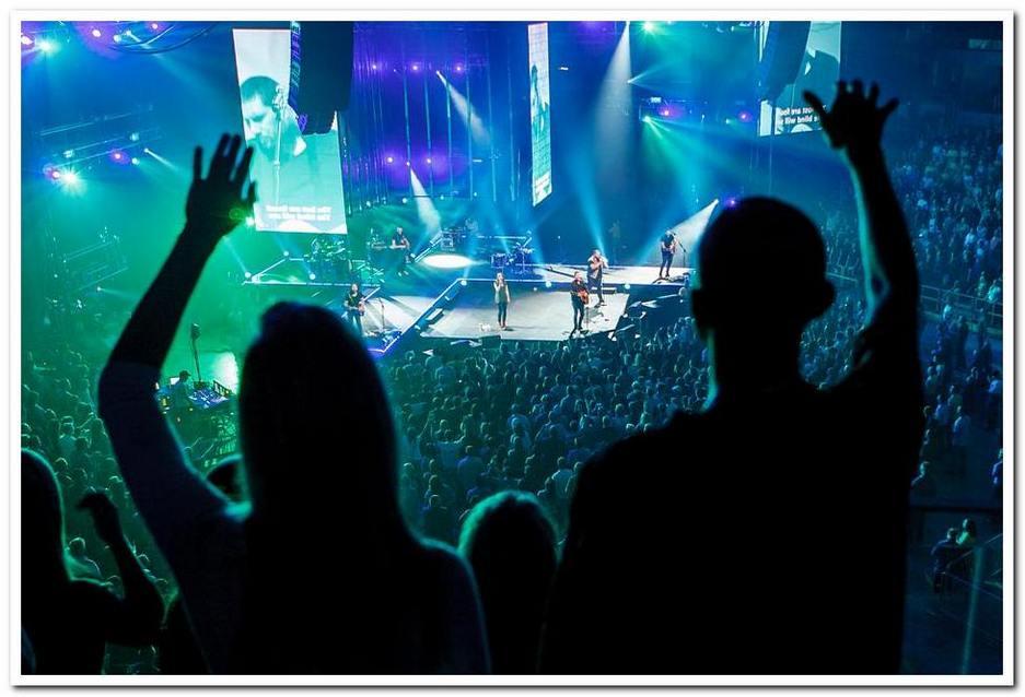 Фотограф для съемки концерта