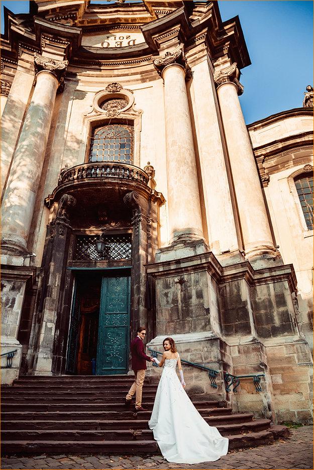 Выбор профессионального фотографа для съемки процесса венчания в церкви